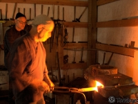 Tomboyama_-_May_2011_Basic_Forging_Course_019