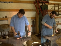028_basic_forging_student_forging_side-by-side